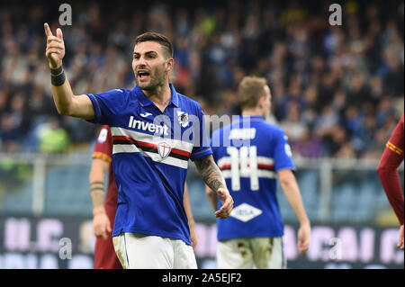 Genova, Italy, 20 Oct 2019, Nicola Murru (Sampdoria), protesta with the assistente during Sampdoria vs AS Roma - Italian Soccer Serie A Men Championship - Credit: LPS/Danilo Vigo/Alamy Live News - Stock Photo