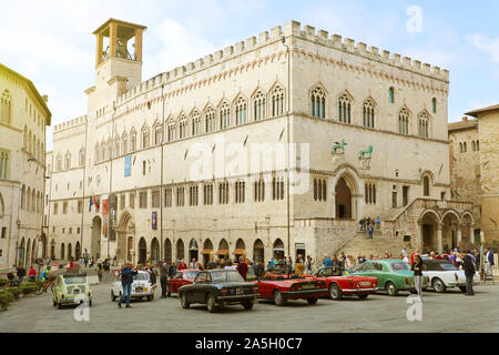 PERUGIA, ITALY - SEPTEMBER 29, 2019: panoramic view of the Piazza IV Novembre square in Perugia historic district with medieval Palazzo dei Priori cit - Stock Photo