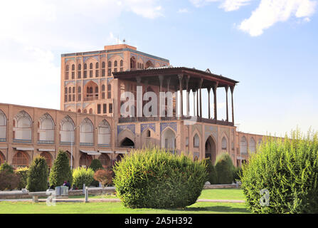 Ali Qapu Palace in Naqsh-e Jahan Square (Shah Square, Imam Square), second biggest place of the world, Isfahan, Iran. UNESCO world heritage sites - Stock Photo
