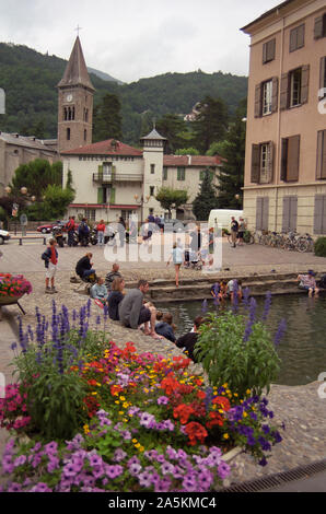 Bassin des Ladres (Lepers' Pond), Ax-les-Thermes, Ariège, Occitanie, France: a sulphurous pool fed by hot springs in the middle of town - Stock Photo