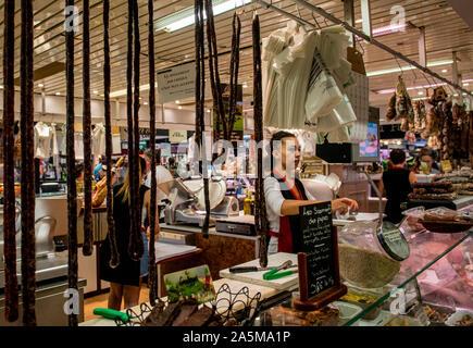 Vendors at Les Halles food market, Avignon, Provence, France - Stock Photo
