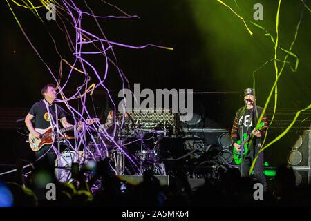 September 13, 2019, Chicago, Illinois, U.S: MARK HOPPUS, TRAVIS BARKER and MATT SKIBA of Blink-182 during the Riot Fest Music Festival at Douglas Park in Chicago, Illinois (Credit Image: © Daniel DeSlover/ZUMA Wire) - Stock Photo