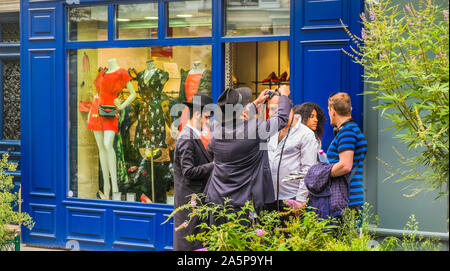 orthodox jews proselitysing in the marais quarter - Stock Photo