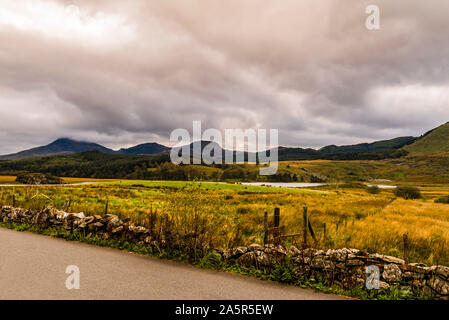 Llyn y Gader, opposite Mount Snowdon, Snowdonia National Park, North Wales, UK - Stock Photo