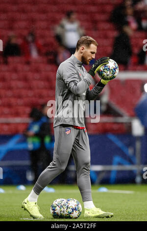 Wanda Metropolitano Stadium, Madrid, Spain. 22nd Oct, 2019. UEFA Champions League Football, Atletico de Madrid versus Bayer Leverkusen; Jan Oblak (Atletico de Madrid) Pre-match warm-up - Editorial Use Credit: Action Plus Sports/Alamy Live News - Stock Photo