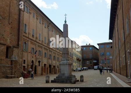 Piazza del Rinascimento (Renaissance Square) with Palazzo Ducale (Ducal Palace). Region Marche, Province Pesaro and Urbino (PU), Urbino, Italy. - Stock Photo