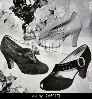 Advert for new elegant shoes by Rayne, a British manufacturer known for high-end and couture shoes. Founded in 1899 as a theatrical costumier, it diversified into fashion shoes in the 1920s. - Stock Photo