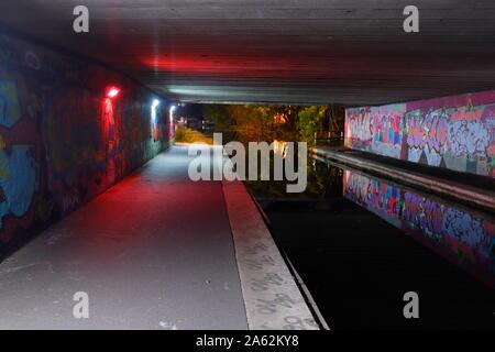 Leeds to Liverpool Canal beneath Wellington Road bridge in Leeds. - Stock Photo