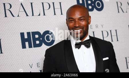 New York, NY, USA. 23rd Oct, 2019. Tyson Beckford at arrivals for VERY RALPH Premiere by HBO Documentary Film, Metropolitan Museum of Art, New York, NY October 23, 2019. Credit: Jason Mendez/Everett Collection/Alamy Live News - Stock Photo