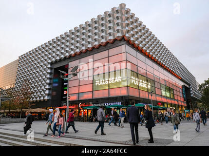 Dresden, Germany. 22nd Oct, 2019. The shopping centre Centrum Galerie Dresden in Prager Straße with a Pull&Bear logo. Credit: Jens Kalaene/dpa-Zentralbild/ZB/dpa/Alamy Live News