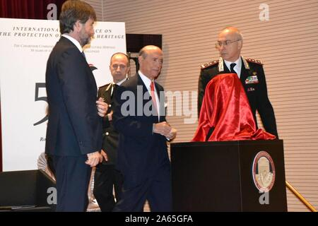 Ceremony this morning at the Carabinieri Officers' School for the return of a Roman sculpture that had been stolen and taken to America. In the photo Dario Franceschini the US ambassador Lewis Eisenberg the general commander Arma Carabinieri Giovanni Nistri (Marcellino Radogna/Fotogramma, Rome - 2019-10-24) p.s. Credit: Independent Photo Agency Srl/Alamy Live News - Stock Photo