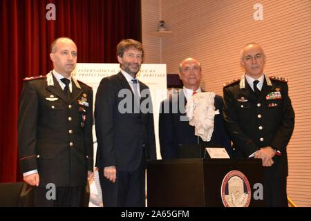 Ceremony this morning at the Carabinieri Officers' School for the return of a Roman sculpture that had been stolen and taken to America. In the photo, Dario Franceschini, US Ambassador Lewis Eisenberg, General Commander Arma Carabinieri Giovanni Nistri and General Roberto Riccardi, who heads the Carabinieri Department for the Protection of Cultural Heritage (Marcellino Radogna/Fotogramma, Rome - 2019-10-24) p.s. Credit: Independent Photo Agency Srl/Alamy Live News - Stock Photo