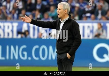 Gelsenkirchen, Deutschland. 26th Oct, 2019. firo: 26.10.2019, football, football: 1.Bundesliga, season 2019/2020, FC Schalke 04 - BVB Borussia Dortmund gesture, Lucien FAvre | usage worldwide Credit: dpa/Alamy Live News Stock Photo