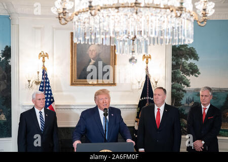 Washington, United States Of America. 23rd Oct, 2019. USA. Oct. 25, 2019. President Donald J. Trump, joined by Vice President Mike Pence, Secretary of State Mike Pompeo, and National Security Advisor Robert OÕBrien, delivers remarks in the Diplomatic Reception Room of the White House Wednesday, Oct. 23, 2019, announcing that the United States and Turkey have agreed to a ceasefire in Syria People: President Donald J. Trump Credit: Storms Media Group/Alamy Live News Credit: Storms Media Group/Alamy Live News - Stock Photo