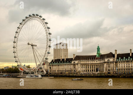 LONDON, UK, December 07, 2013: County Hall and 'London Eye' with river Themse - Stock Photo