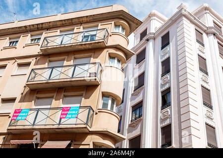 Valencia Spain Hispanic,Ciutat Vella,old city,historic center,apartment buildings,available rental,sign,balcony,ES190829017