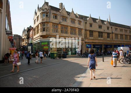 Strassenszene/ street scene, Cambridge, England (nur fuer redaktionelle Verwendung. Keine Werbung. Referenzdatenbank: http://www.360-berlin.de. © Jens - Stock Photo