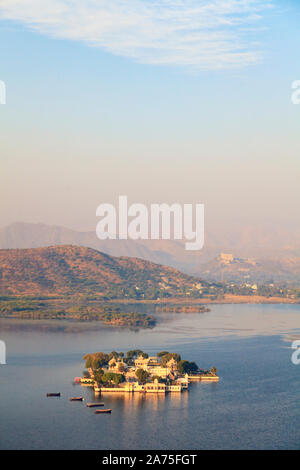 India, Rajasthan, Udaipur, elevated view of Lake Pichola and Udaipur City - Stock Photo