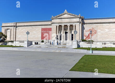 The stately south entrance of the Cleveland Museum of Art in the University Circle neighborhood of Cleveland, Ohio, USA. - Stock Photo