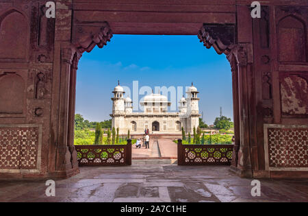 Tomb of I'timād-ud-Daulah also known as 'jewel box', sometimes called the 'Bachcha Taj', - Stock Photo