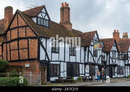 Kings Arms Hotel on the high street in Amersham Old Town, Buckinghamshire, UK - Stock Photo