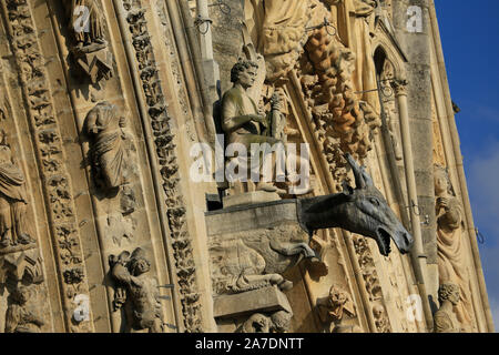 Close-up of Gargoyles on the facade of Cathedral de Notre-Dame, Reims, Champagne, France - Stock Photo