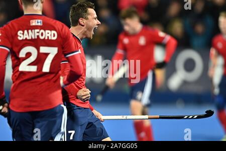 Stratford. United Kingdom. 02 November 2019. Alan Forsyth (Great Britain) celebrates scoring. Great Britain v Malaysia. FIH Mens Olympic hockey qualifier. Lee Valley hockey and tennis centre. Stratford. London. United Kingdom. Credit Garry Bowden/Sport in Pictures/Alamy Live News. - Stock Photo