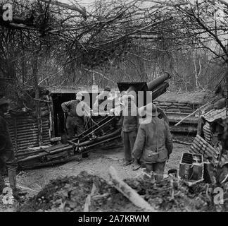 Premiere Guerre Mondiale, vue d'un canon de 155 de l'artillerie de l'Armee Française. Photographie, 1914-1918, Paris. - Stock Photo
