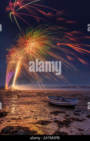 Appledore, North Devon, UK. Sunday 3rd November 2019. UK Weather. After a day of  heavy downpours in North Devon, the rain showers hold off just long enough for the annual Appledore firework display to take place on the River Torridge estuary. Credit: Terry Mathews/Alamy Live News - Stock Photo