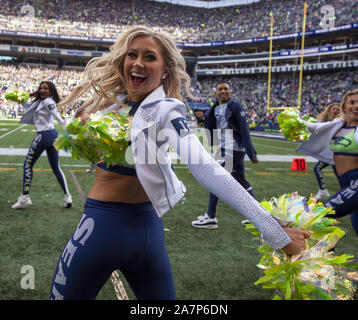 Seattle, United States. 03rd Nov, 2019. Seattle Seahawks Dance Team performs during the first quarter against the Tampa Bay Buccaneers at CenturyLink Field on Sunday, November 3, 2019 in Seattle, Washington. The Seahawks beat the Buccaneers 40-34 in overtime. Jim Bryant Photo/UPI Credit: UPI/Alamy Live News - Stock Photo