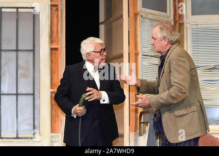 04 November 2019, Bavaria, Munich: The actors Peter Weck (l) and Friedrich von Thun are on stage at the photo rehearsal 'Sonny Boys' in the comedy at the Bayerischer Hof. Photo: Felix Hörhager/dpa - Stock Photo