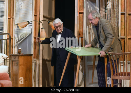 04 November 2019, Bavaria, Munich: Friedrich von Thun are on stage at the photo rehearsal 'Sonny Boys' in the comedy at the Bayerischer Hof. Photo: Felix Hörhager/dpa - Stock Photo