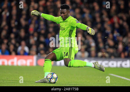 London, UK. 05th Nov, 2019. Andre Onana, the goalkeeper of Ajax in action. Stamford Bridge Stadium in Chelsea, London on Tuesday 5th November 2019. this image may only be used for Editorial purposes. Editorial use only, license required for commercial use. No use in betting, games or a single club/league/player publications. pic by Steffan Bowen/Andrew Orchard sports photography/Alamy Live news Credit: Andrew Orchard sports photography/Alamy Live News - Stock Photo