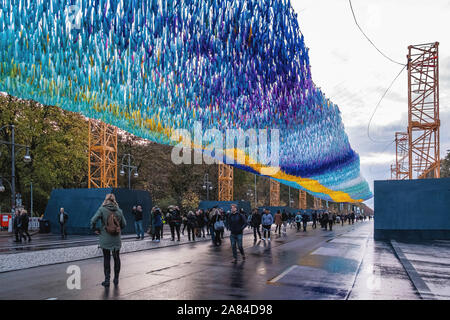 Patrick Shearn and Cultural Projects Berlin collected 30,000 messages for the 30th anniversary of the fall of the Berlin Wall to create the art installation 'Visons in Motion, Straße des 17. Juni, Berlin - Stock Photo