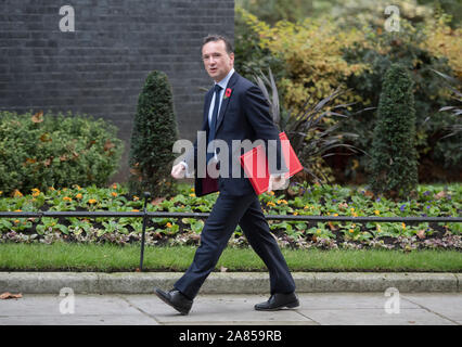 London, UK. 5th November 2019. Longest serving Government Minister Alun Cairns, Secretary of State for Wales, (photographed attending Cabinet Meeting on 5th November 2019), resigns on 6th November 2019. Credit: Malcolm Park/Alamy Live News. - Stock Photo