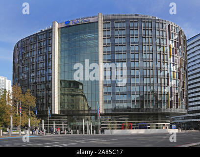 The new Park Plaza Hotel at the southern end of Westminster Bridge in London, UK, close to the River Thames and Houses of Parliament - Stock Photo
