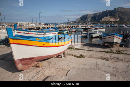 Boat stranded on the shore #2 - Stock Photo