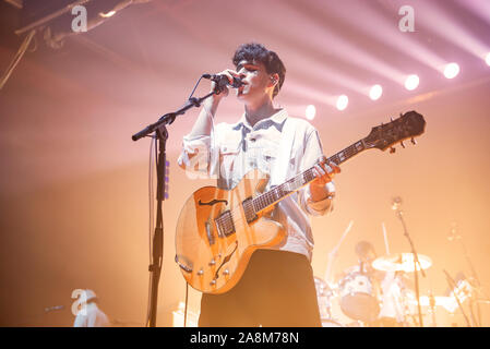 """Manchester, UK. 09th November 2019. Ezra Koenig, Chris Baio and, Christopher Tomson of the band Vampire Weekend perform the 2nd of 2 sold out shows at Manchester's O2 Victoria Warehouse on their """"Father Of The Bride"""" UK tour  Manchester 2019-11-09 . Credit:  Gary Mather/ Alamy Live News - Stock Photo"""