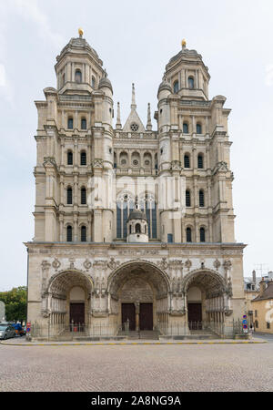 Dijon, Burgundy / France - 27 August 2019: exterior view of the historic Saint Michel Church in the old city center of Dijon in Burgundy - Stock Photo