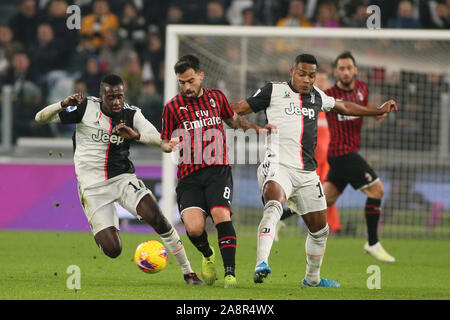 Torino, Italy. 10th Nov, 2019. 14 blaise matuidi, juventus) and 12 alex sandro lobo silva, juventus)during Juventus FC vs AC Milan, Italian Soccer Serie A Men Championship in Torino, Italy, November 10 2019 - LPS/Claudio Benedetto Credit: Claudio Benedetto/LPS/ZUMA Wire/Alamy Live News - Stock Photo