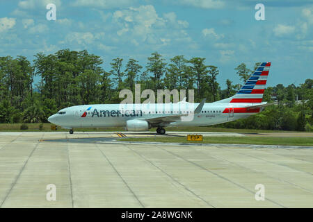 American Airlines Boeing 737-823 aircraft N368PW