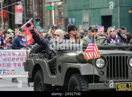 Fifth Avenue, New York, USA, November 11, 2019 - Buzz Aldrin Astronaut of Apollo 11 along with thousands of Veterans, Police, Firefighter and Spectators Celebrated Veterans Day 2019 today on Fifth Avenue in New York City.Photo: Luiz Rampelotto/EuropaNewswire PHOTO CREDIT MANDATORY. | usage worldwide - Stock Photo