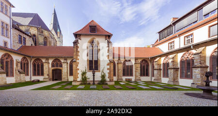 Courtyard and cloister of the High Dome in Paderborn. North Rhine-Westphalia, Germany - Stock Photo