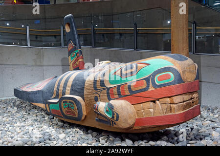 Killer Whale cedar sculpture by Richard Hunt in the domestic terminal of the Vancouver International Airport, Vancouver, BC, Canada - Stock Photo