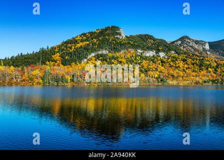 Autumn landscape at Echo Lake, Franconia Notch State Park, New Hampshire, USA. - Stock Photo