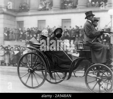 Former U.S President Woodrow Wilson and his Wife Edith Bolling Wilson Riding in Horse-drawn Carriage to Burial of Unknown Soldier, Armistice Day, Photograph by Herbert E. French, National Photo Company, November 11, 1921 - Stock Photo