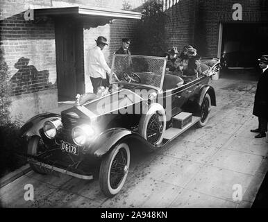 Former U.S. President Woodrow Wilson with his Second wife Edith Wilson in back of Convertible Car, Washington, D.C., USA, Harris & Ewing, 1924 - Stock Photo
