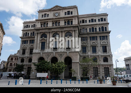 The Lonja del Comercio (Trading Market) building in Plaza San Francisco in the old quarter of Havana in Cuba.   The building served as the stock excha - Stock Photo