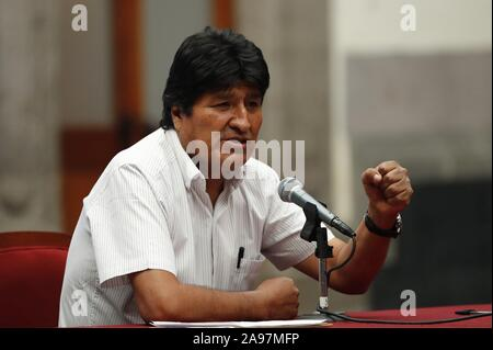 Mexico City, Mexico. 13th Nov, 2019. Former Presidente of Bolivia Evo Morales gives a press conference in Mexico City, Mexico, 13 November 2019. This Wednesday Evo Morales defend his electoral triumph in the elections of the past October and accused the OEA and opposition for allow an 'Coup d'État'. Credit: Jose Mendez/EFE/Alamy Live News - Stock Photo