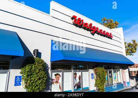 October 24, 2019 Sunnyvale / CA / USA - Walgreens pharmacy local branch; Walgreens (part of  Walgreens Boots Alliance Inc. holding) operates the secon - Stock Photo